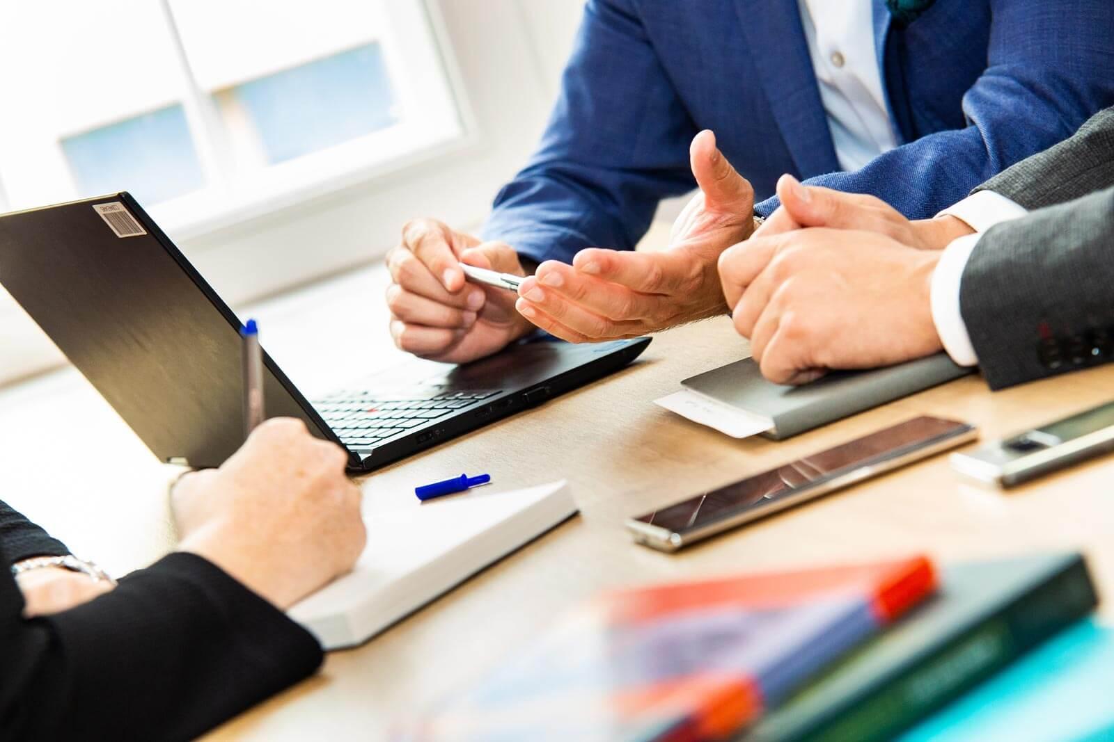 MEWIGO erweitert Team & Portfolio durch Services zu XING und LinkedIn
